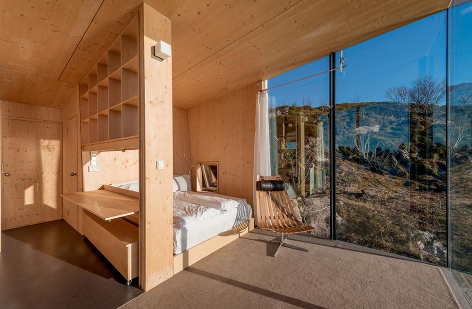 cabin 05