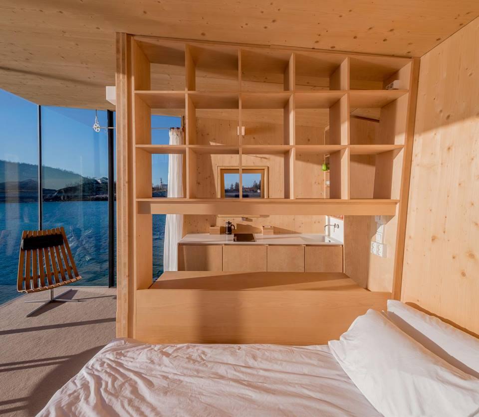 cabin 06