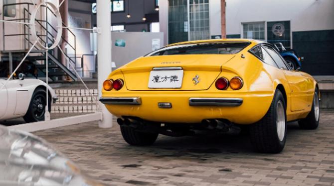 car 09